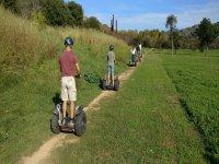 Caminito de tierra en segway