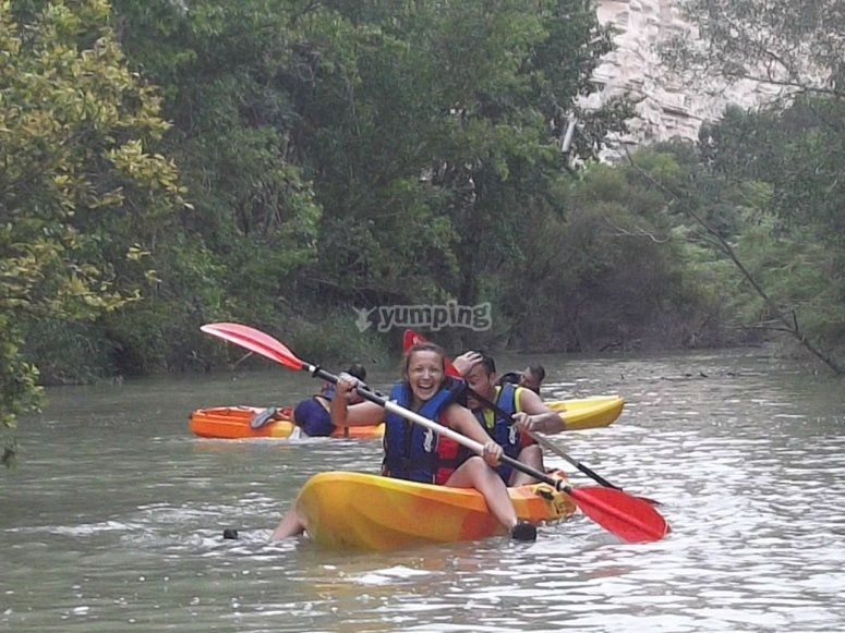 Kayaks en el Júcar