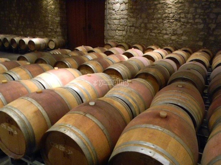 存放的葡萄酒桶