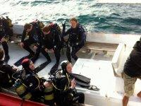 Expedicion submarina en barco