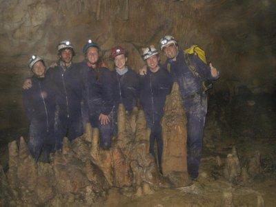 阿拉瓦洞穴的洞穴学