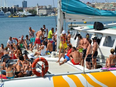 Festa in barca a Valencia, 3 ore