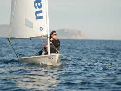 Individual sailboat rental in L'Escala 2 hours