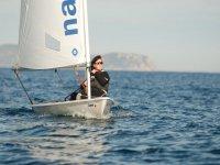 个人帆船在L'Escala