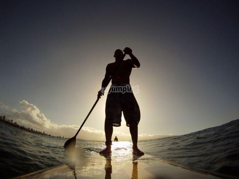 Sesión de paddle surf