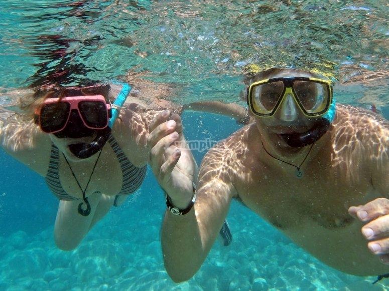Snorkel para descubrir el fondo marino