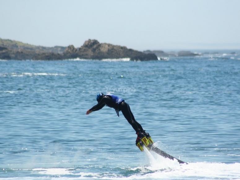 在Ibiza跳Flyboard飞行滑水