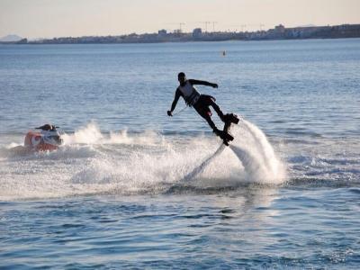 60 minutos de flyboard para 3 en Playa d'en Bossa