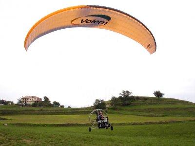 帕拉加的动力伞航班20分钟