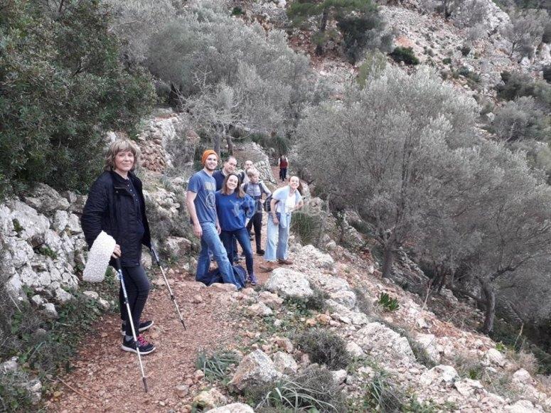 Group walking through the Biniaraix canyon