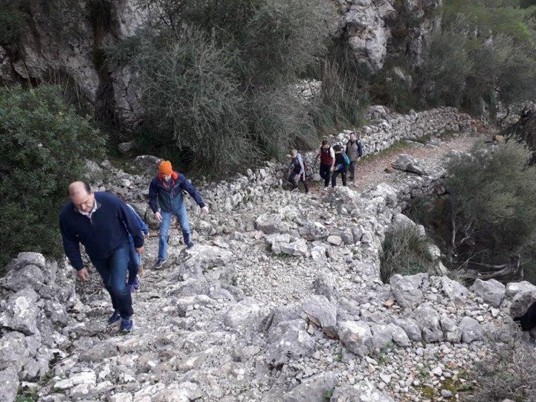 Hiking through the Biniaraix canyon