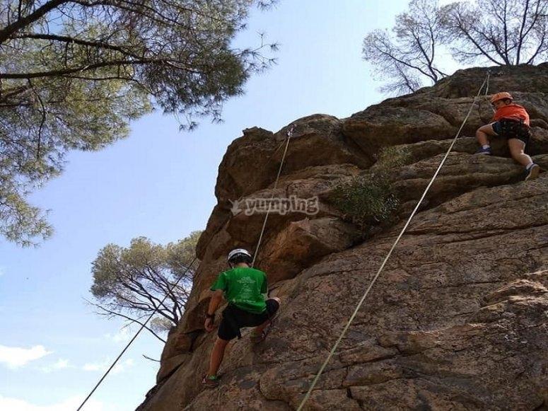 Actividad de escalada en Sierra de Madrid