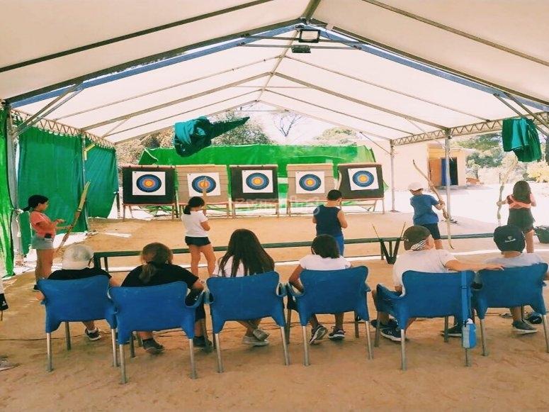 Sesión de tiro con arco en Sierra de Madrid