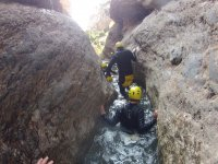 Condivisione con gli amici con un pomeriggio di canyoning