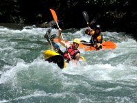 Descendiendo en canoa