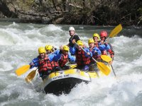 Divirtiéndonos con una tarde rafting