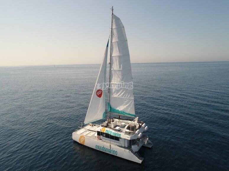 Recorrido en catamarán por el mediterráneo