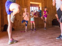 Yoga para peques en el campamento