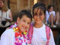 Peque营地-999快乐营员999- Companeras拥抱阵营 - 在课堂上跳舞与导师