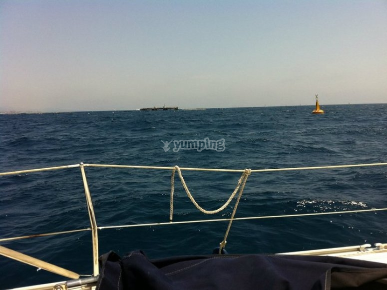 从甲板上的大海