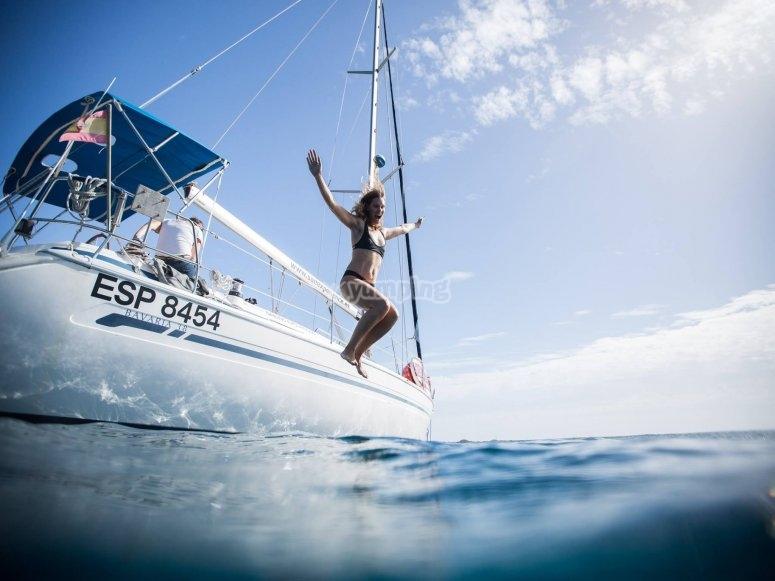 从船上跳下