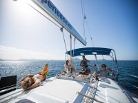 儿童科拉莱霍的帆船游览。