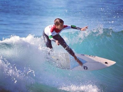 Surfing class, Room and full-board, Berria