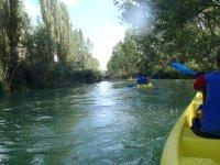 Canoe dalle acque calme