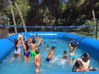 Juegos en la piscina