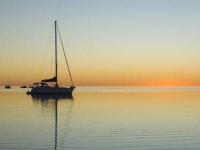 乘船前往Cabo de Gata 2小时