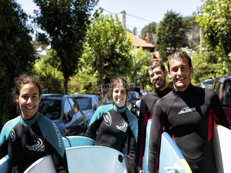 Corso di surf a Salinas