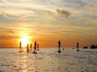 Practica paddle surf con amigos en Ibiza