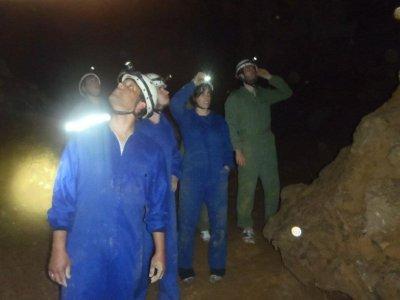 Espeleología en cueva del Nanzal nivel I o II 2 h