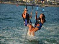 Ascendiendo con el parasailing