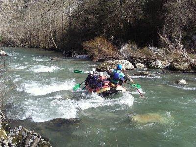 Descenso de rafting en río Deva o en el Ebro
