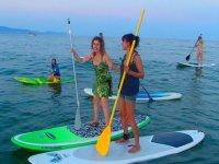 穿越玫瑰湾划桨冲浪游览
