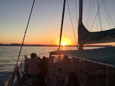 Puesta de sol en catamarán por Calpe para adultos