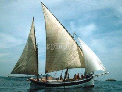 从Palamós出租拉丁帆6小时。
