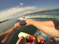 Con GoPro haciendo wakeboard