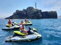 乘坐摩托艇参观桑坦德灯塔