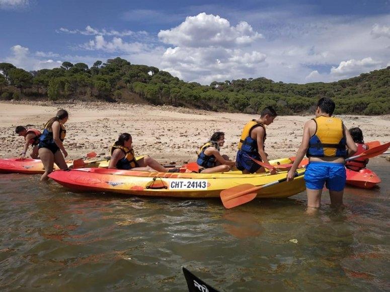 Piragüismo niños en Pantano de San Juan