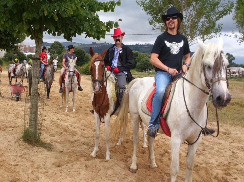 Despedida de soltero con caballos