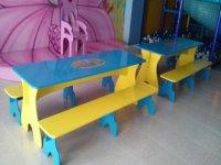 Mesas y trono