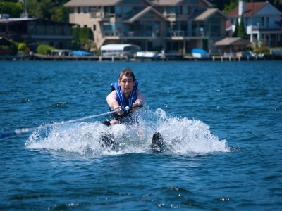 Sesión de esquí acuático en Torremolinos 10 min