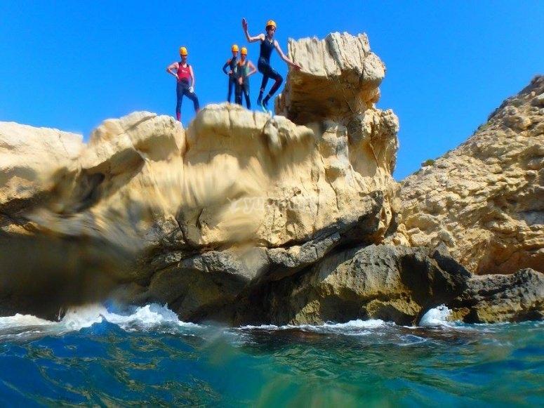 Momento del salto al agua