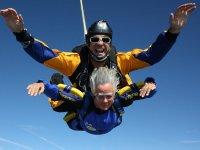Primer salto de paracaidismo