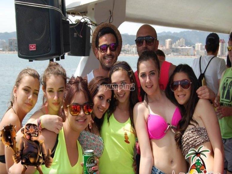 Chicas en el party boat