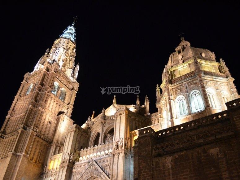 Paseo por casas encantadas de Toledo