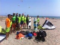 风筝冲浪课程在格拉纳达风筝冲浪学校海滩