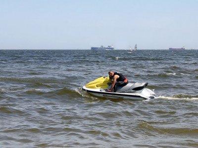 Flyboard 30min + Motos de agua 30min en Oliva